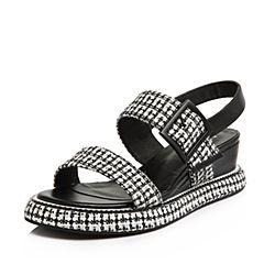 BASTO/百思图2018夏季专柜同款黑白布面/牛皮格纹一字带坡跟女凉鞋TCN06BL8