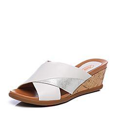 Bata/拔佳2018夏新专柜同款白色坡跟高跟羊皮革女凉拖鞋APJ02BT8