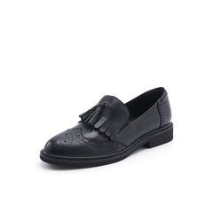 Belle/百丽黑色羊皮革雕花布洛克流苏英伦风女单鞋11885CM8