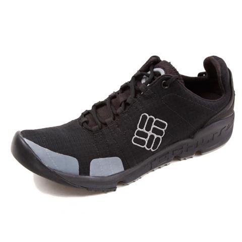 Columbia/哥伦比亚春夏黑色男子超轻缓震 强抓地力 耐磨徒步鞋BM1509010