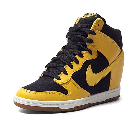 NIKE耐克新款女子DUNK SKY HI ESSENTIAL复刻鞋644877-013