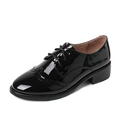 Tata/他她2017秋黑色PU漆皮英伦雕花系带方跟女单鞋2HC85CM7